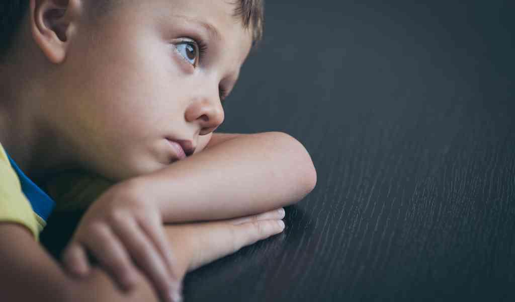 Помощь детям с зависимыми родителями